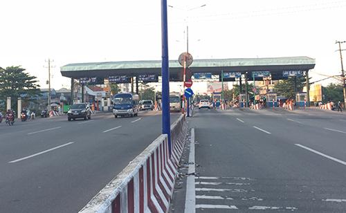 Tram thu phi tren dt743
